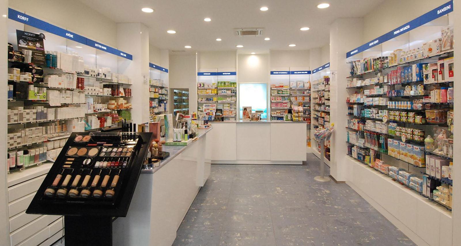 Sebrim sebrim arredo farmacie parafarmacie studi for Bottigelli arredi farmacia